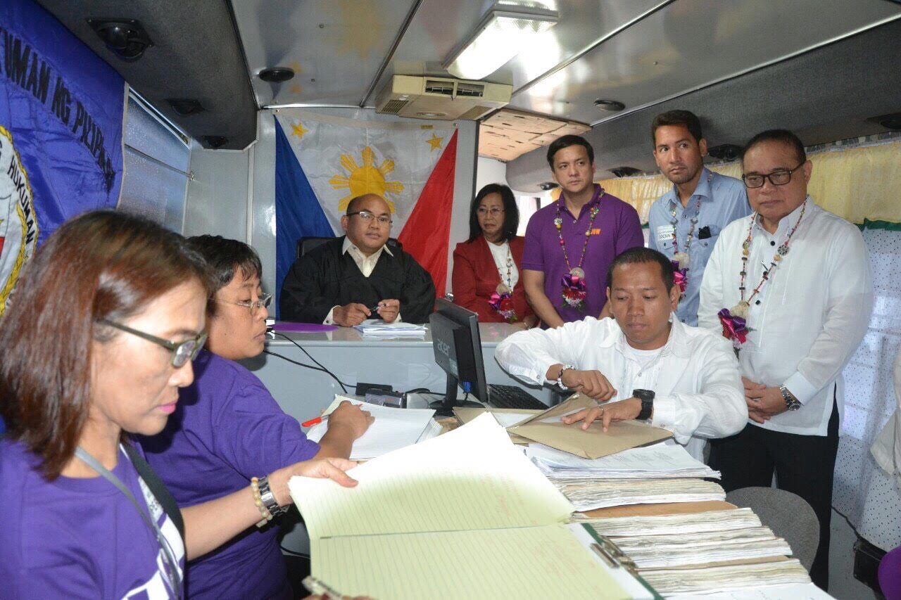 Enhanced Justice on Wheels visits Ormoc City. A court hearing is held inside the Justice on Wheels presided by Ormoc City Regional Trial Court Executive Judge Clifton Nuevo and witnessed by (from left to right) Deputy Court Administrator Thelma Bahia, Court Administrator Jose Midas P. Marquez, Supreme Court Justice Mariano Del Castillo and Ormoc City Vice Mayor Leo Locsin. At least 28 detainees were released as of press time.